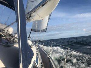 ab Glückstadt in die Nordsee (2021) ca. 180 sm (März)